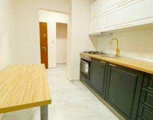 Apartament 2 camere semidecomandat cu balcon, Horea