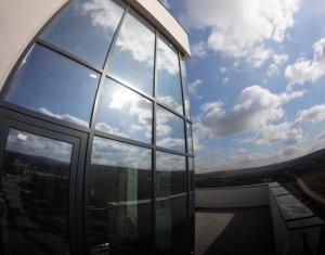 Un veritabil penthouse, extrem de spatios si luminos, terasa proprie 38 mp !!