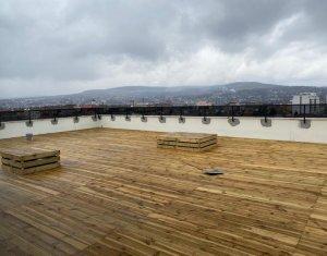 Penthouse de inchiriat, 100 mp , terasa 200 mp, modern , Centru