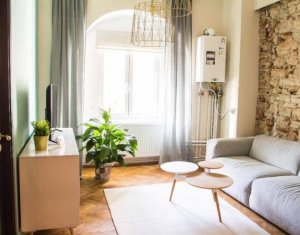 Apartament 3 camere, semicentral, zona Platinia