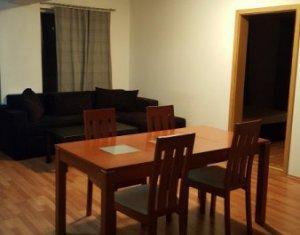 Apartament cu 3 camere ,modern, balcon, Centru
