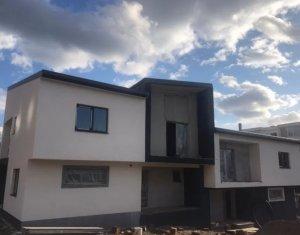 Ház 4 szobák eladó on Baciu