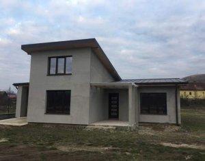 Casa 3 dormitoare, 1200 mp teren, Luna de Sus, aer curat, liniste, spatiu