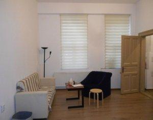 CENTRAL - Apartament cu 2 camere, zona Primarie, parcare