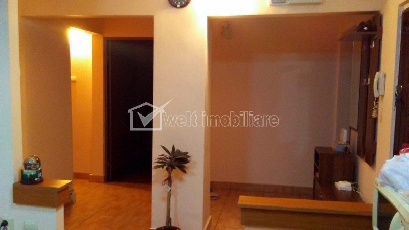Apartament cu 4 camere, 90 mp, 2 bai, 2 balcoane, etaj 3 din 4 Manastur