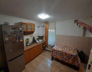CENTRU - Apartament 3 camere, 76 mp, decomandat, 2 bai