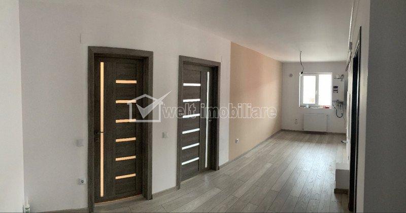 Apartament de inchiriat,  nemobilat ,2 camere decomandate, situat in Floresti