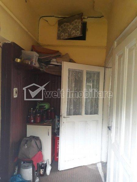 Zona PIATA 1 MAI - CLUJANA - Vanzare casa calcan cu curte proprie