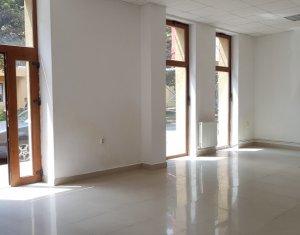 Vanzare spatiu birou, parter cu vitrina mare, zona univ Bogdan Voda - Gara
