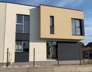 Vanzare casa tip duplex, Someseni, zona linistita, 120 mp, 3 dormitoare, 3 bai