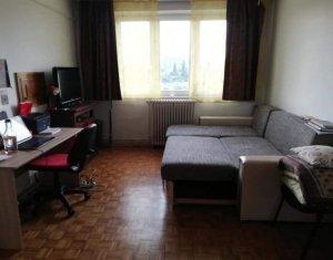 Apartament 3 cam, Piata Abator