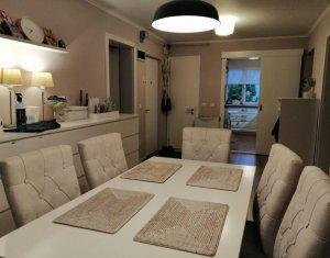 Apartament de 4 camere, ultrafinisat, mobilat si utilat, etaj 3, garaj !