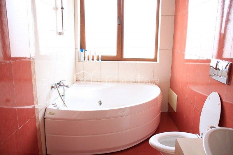 ZORILOR - Vanzare apartament 137 mp, 2 bai, terasa, curte, ultrafinisat