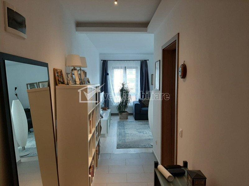 Apartament cu 3 camere, 75 mp, 2 balcoane, etaj 3 din 5, Gheorgheni