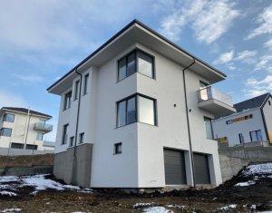 Casa individuala cu panorama cu CF 4 camere 180 mp 440 mp teren 2 garaje Dezmir