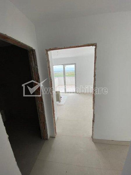 Penthouse 2 camere si living, terasa 40 mp, panorama frumoasa