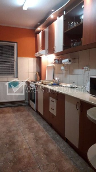 Vanzare apartament 3 camere, decomandat, 65 mp, balcon, parcare, etaj 1  Marasti
