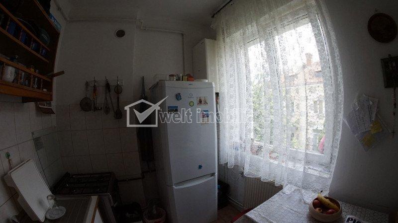 Zona TITULESCU - Apartament cu o camera, + boxa 7 mp, etaj 2, strada Aurel Suciu