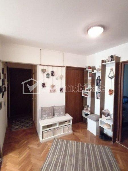 Apartament 4 camere, 80 mp, Garaj, Etaj intermediar, Manastur