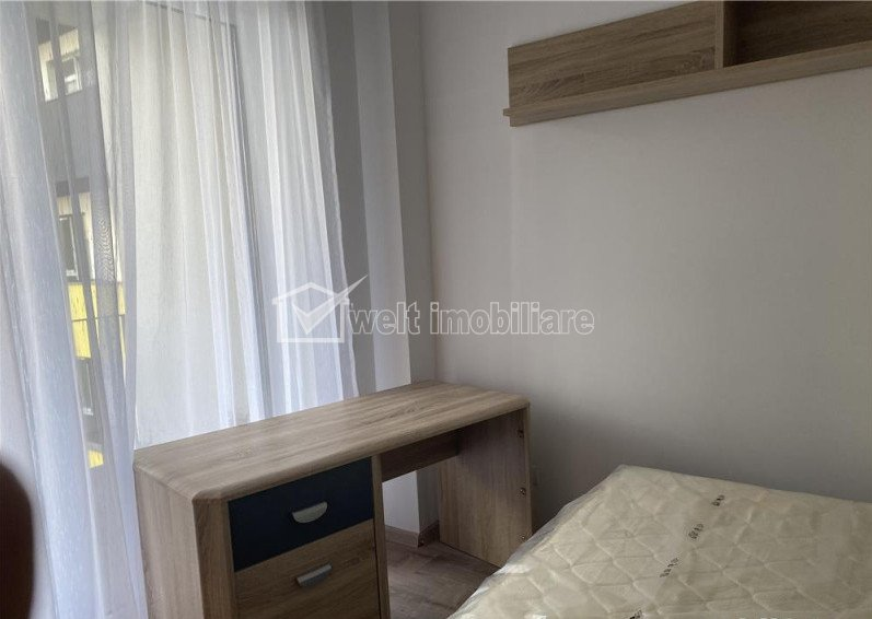Inchiriere apartament 3 camere, 70 mp, terasa, parcare, zona Centrala