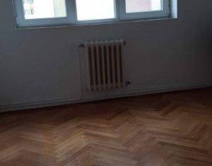 Vanzare apartament cu 3 camere in Manastur, zona Peana