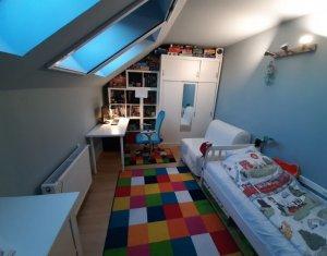 Appartement 5 chambres à vendre dans Cluj-napoca, zone Manastur