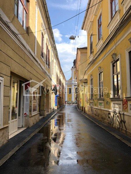 Spatiu comercial ultracentral, pietonala spre Eroilor, 2 vitrine
