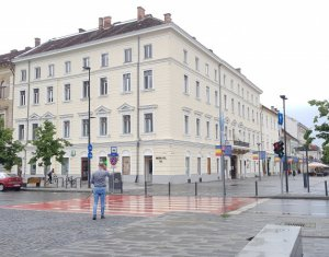 Birou - Apartament 115mp, Ultracentral piata Unirii colt Eroilor