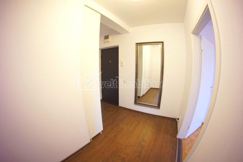 Apartament 2 camere, decomandat, 51 mp+balcon, parcare, etaj 1 din 4 Iulius Mall