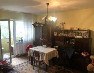 Apartament cu 2 camere, zona strazii Parang, 53 mp, pret avantajos, decomandat