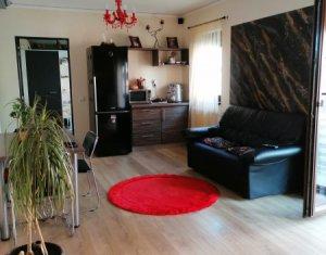 Vanzare apartament 3 camere, gradina 80 mp, situat in Floresti, zona Sub Cetate