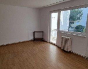 Inchiriere apartament 4 camere decomandate, nemobilat, izolat, Manastur