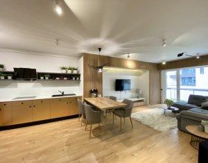Apartament exclusivist, 2 camere, confort lux, zona centrala-Scala Center, garaj