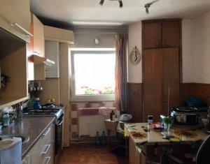 Apartament de 2 camere, finisat, zona CENTRALA
