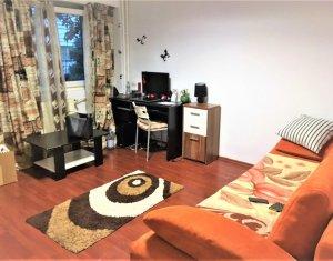 Apartament 1 camera de vanzare, 28 mp, zona Piata Cipariu