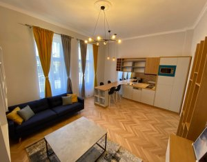 Apartament la casa, curte, partcare, 2 camere, ultrafinisat, ultramobilat