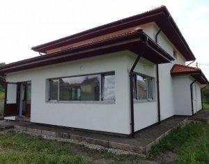 Chinteni, 250 mp utili, P+1, living, terasa, birou, 4 dormitoare, 3 bai