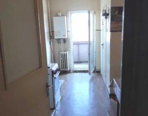 MANASTUR - Apartament cu 4 camere, decomandate, 2 bai, zona Calea Floresti
