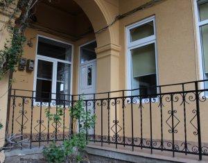 Apartament 2 camere, zona centrala - Facultatea de Litere, 60 mp, parcare+garaj