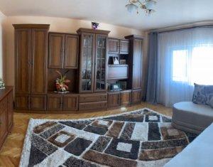 MANASTUR - Apartament de 3 camere, decomandat, 2 bai, zona Calea Floresti
