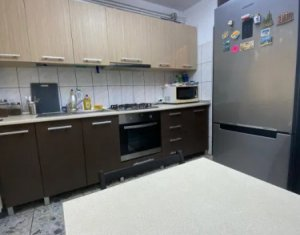 Apartment 4 rooms for sale in Cluj-napoca, zone Manastur