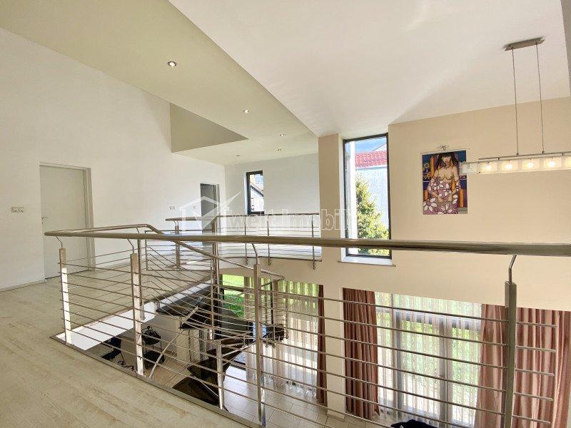 Casa 5 camere, zona centrala, terasa 140mp si gradina 45 mp