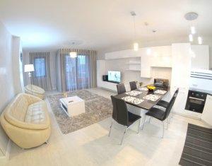 Inchiriere apartament de lux cu 3 camere, imobil deosebit, zona Iulius Mall
