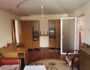 Apartament 2 camere semidecomandat, 47 mp, cu garaj si boxa, in Campia Turzii