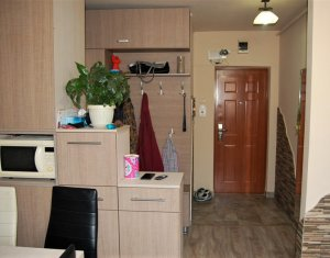 Apartament 2 camere, semidecomandat, 51 mp, etaj 4 din 10, Manastur