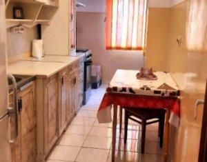 Apartament cu o camera, decomandat, 40 mp, etaj 1, zona Piata Marasti