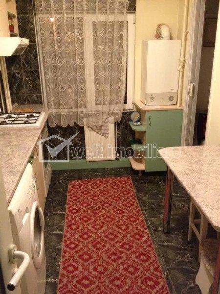 Apartament cu 3 camere, decomandat, 2 bai, 2 balcoane, etaj 1, strada TITULESCU!