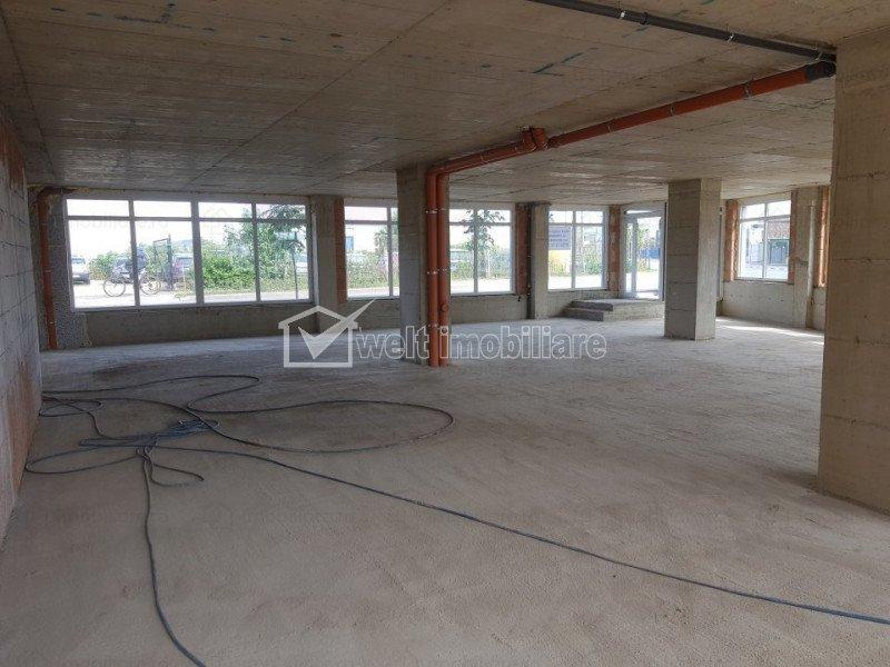Vanzare spatiu tip showroom, Someseni, strada principala, 200 mp, vitrina 22 ml