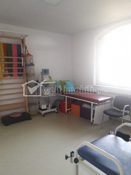Vanzare casa autorizata servicii medicale, ultrafinisata, 6 locuri de parcare