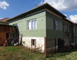 Casa intabulata de renovat/demolat cu teren 2200 mp, Chinteni, 2 fronturi